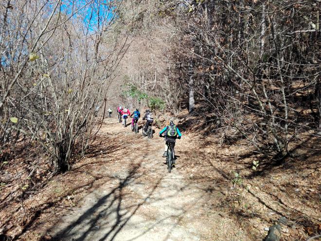 Liguria in E-bike, pedalare on-off lungocosta d'inverno